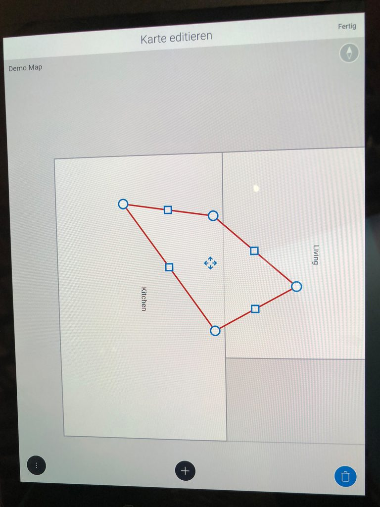 Vom Saugroboter Bosch Roxxter(TM) erstellter Wohnungsgrundriss mit manueller No Go Area