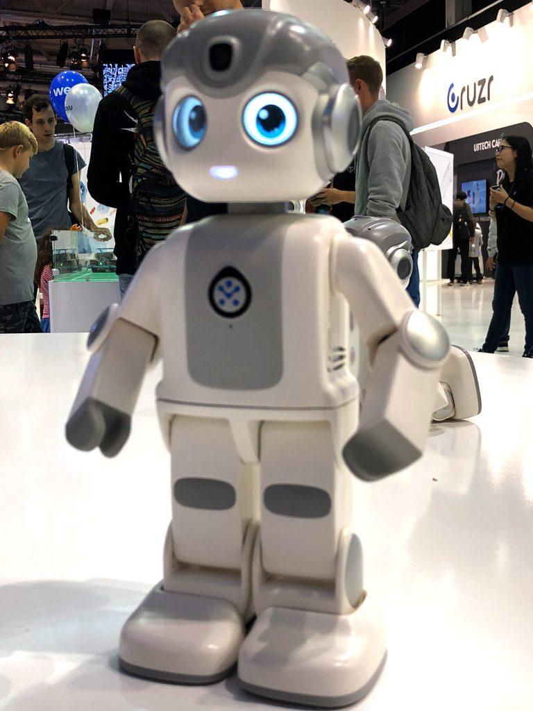 """Der neue UBTECH """"Alpha Mini"""" Roboter - an der Grenze zwischen Spielzeug und Nutzsystem"""