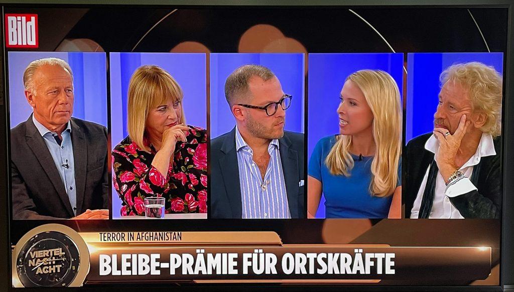 """Die erste Bild TV Gesprächsrunde """"Viertel nach Acht"""" am 23.8.2021 mit Jürgen Trittin, Thomas Gottschalk, Patricia Riekel und Nena Schink, moderiert von Julian Reichelt"""