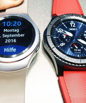 Samsung Gear(TM) S2 Classic und S3 Frontier im Größenvergleich
