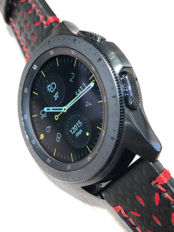 Schrägansicht auf die Samsung Galaxy Watch (TM) Smartwatch